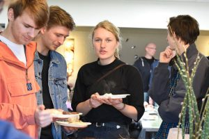 Unge - Kirkefrokost @ Silkeborg Oasekirke | Silkeborg | Danmark