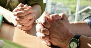 Bøn og lovsang med staben